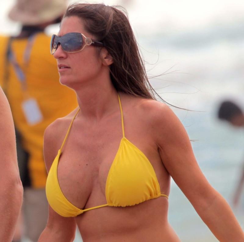 gorgeous milf in yellow bikini
