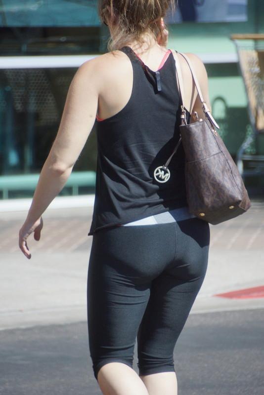 pretty babe in black capri leggings
