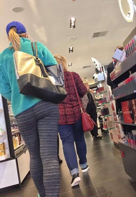 supermarket milf ass in tight lycra pants