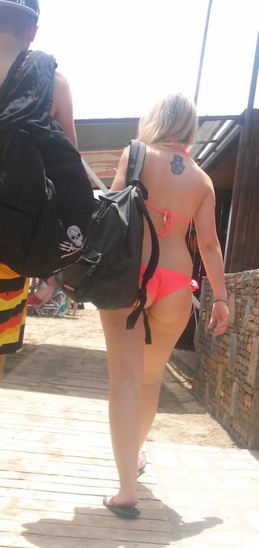 cutie booty in pink bikini