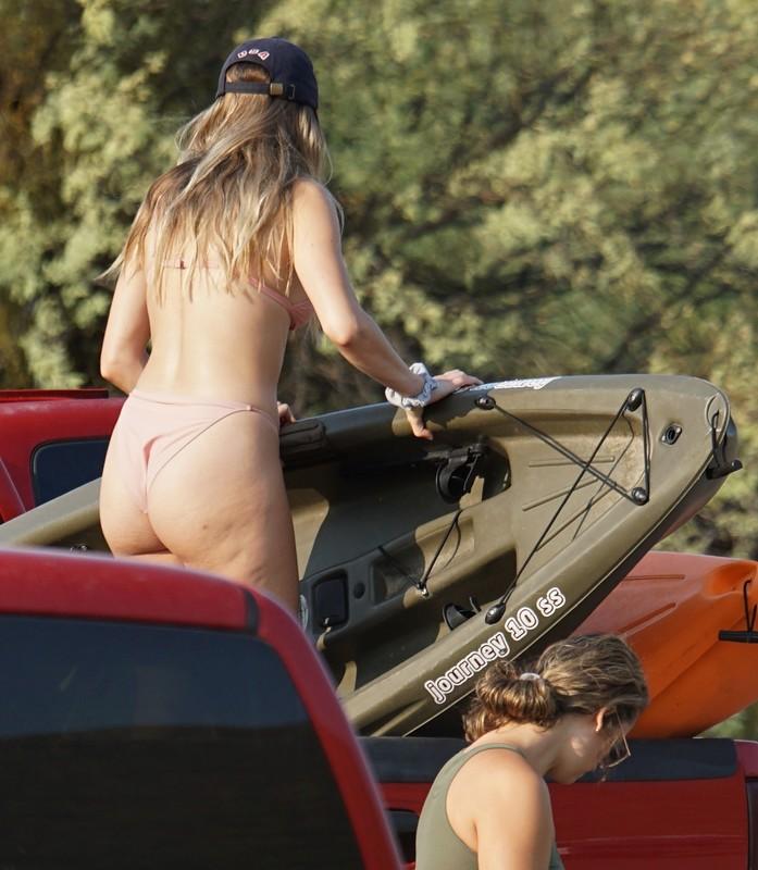 blonde hottie unloading the kayak