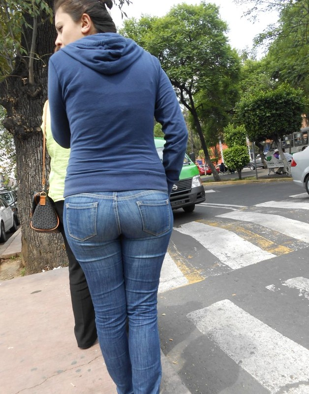 big booty in tight jeans