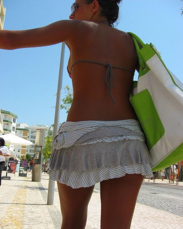 tourist lady in bikini & miniskirt