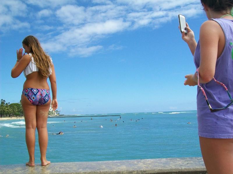 thick beach teen in wet bikini