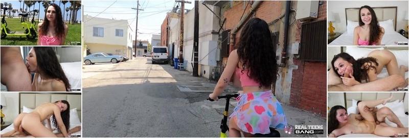 Liz Jordan - Wears A G String Under Her Miniskirt And Flashes In Public (FullHD)