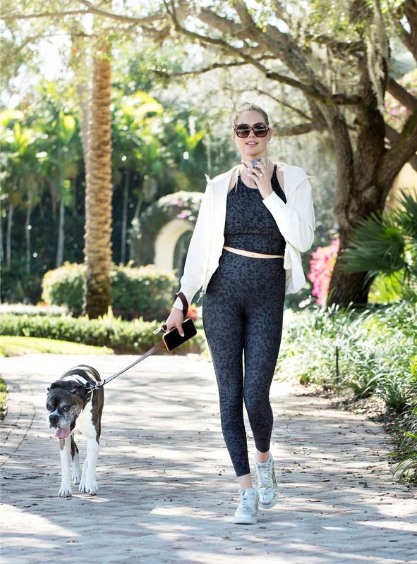 dog walker chick Kate Upton in candid fitness uniform