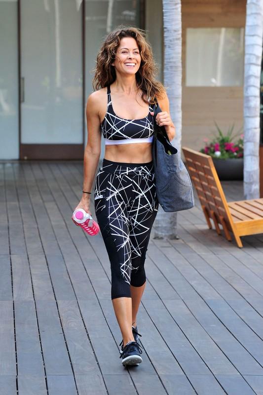 sweet milf Brooke Burke in sexy fitness spandex