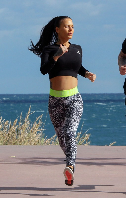 lovely milf Chantelle Connelly candid workout pics