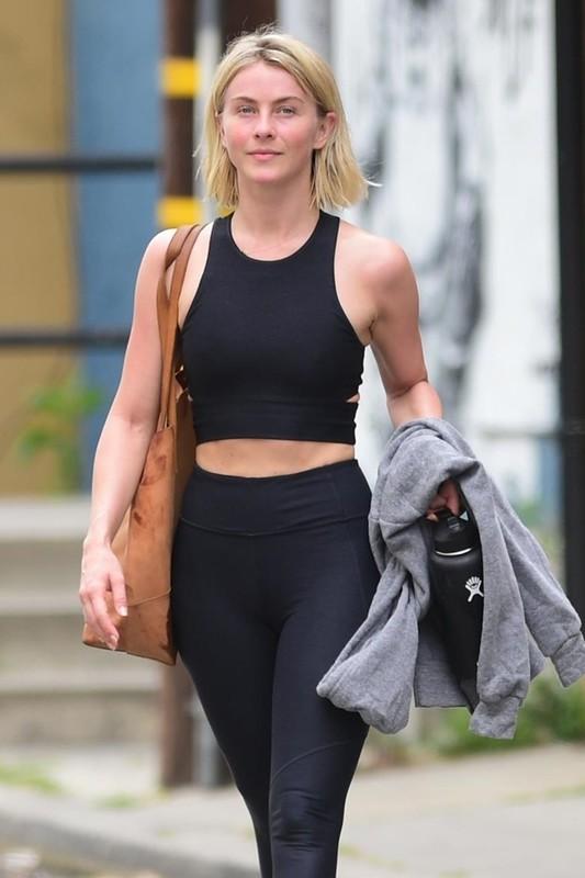 sexy blonde chick Julianne Hough in black workout uniform