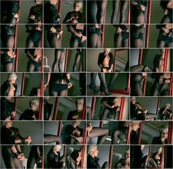 [StraplessDildo] - Tiffany - Tiffany makes love to her reflection (2021 / HD 720p)