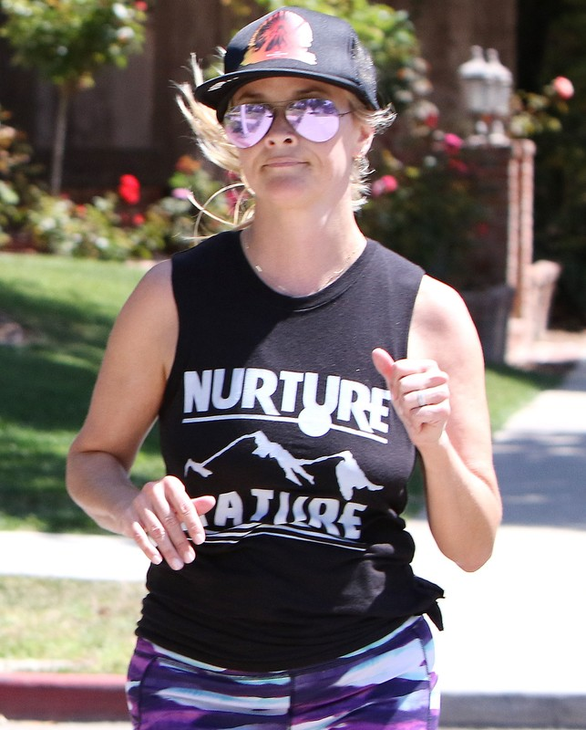 blonde jogger chick Reese Witherspoon in sexy spandex pants