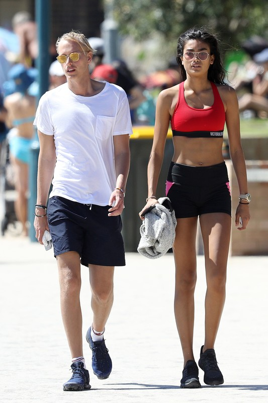 skinny babe Kelly Gale in sexy fitness uniform