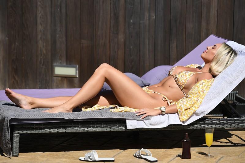Amber Turner & Chloe Meadows & Courtney Green pretty bikini photo album