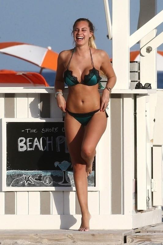 stunning lady Francesca Brambilla in black bikini