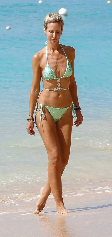 lovely milf  Victoria Hervey in green bikini