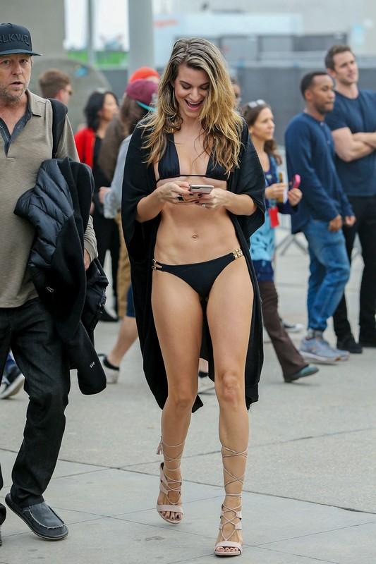 lustful babe Rachel McCord in black bikini