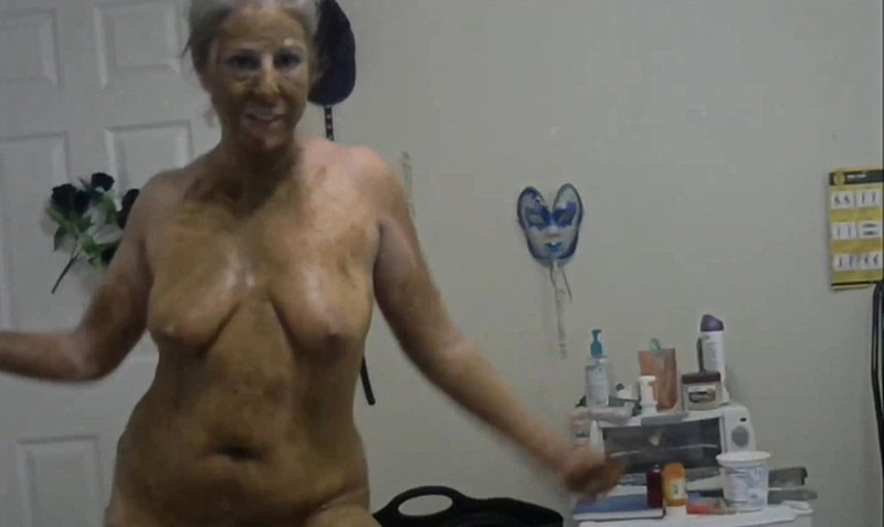 goddessemmalove - Exercise Time - Time For The Period Pee And Poop [FullHD 1080P]