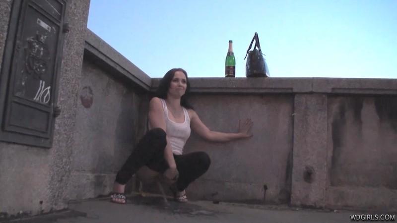 Ally - Drunk piss girl [HD 720P]
