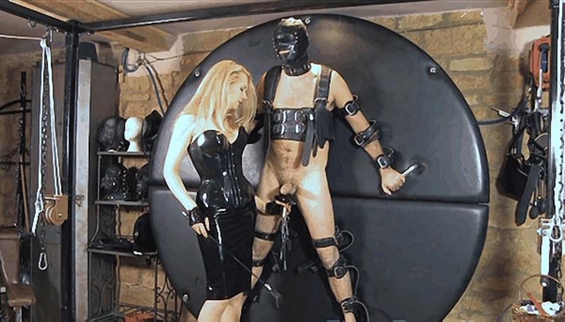 Mistress Eleise de Lacy - Pegged On The Wheel [FullHD 1080P]