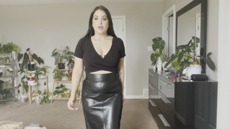 GirlOnTop880 - Give Your First Time to Mommy [FullHD 1080P]